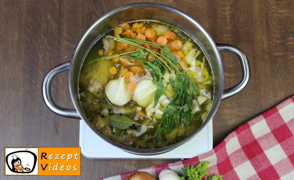 Hühnersuppe Rezept - Zubereitung Schritt 2