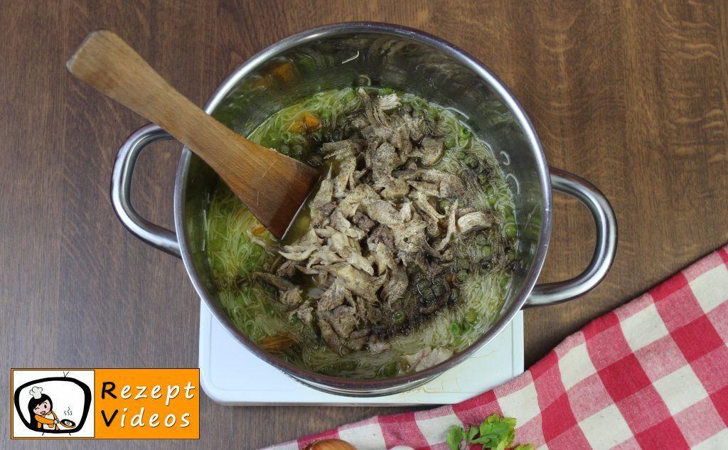 Hühnersuppe Rezept - Zubereitung Schritt 5