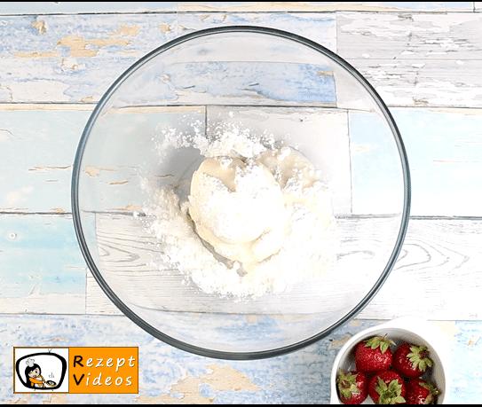 Erdbeer-Tiramisu Rezept - Zubereitung Schritt 1
