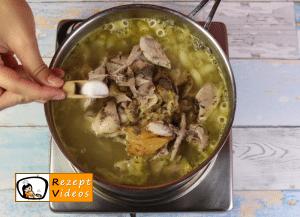 Nudelsuppe mit gebratenem Hähnchen Rezept - Zubereitung Schritt 4