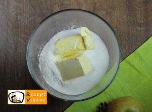 Apfelkuchen mit Streuseln Rezept - Zubereitung Schritt 5