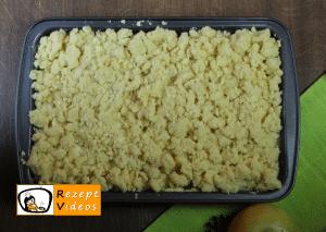 Apfelkuchen mit Streuseln Rezept - Zubereitung Schritt 6