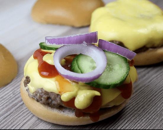 Amerikanischer Cheeseburger Rezept - Zubereitung Schritt 5