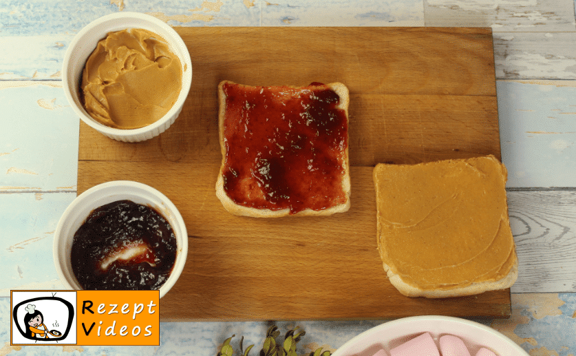 Erdnussbutter-Marmeladen-Sandwich / S´mores Rezept - Zubereitung Schritt 1