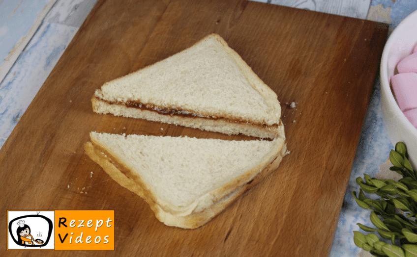 Erdnussbutter-Marmeladen-Sandwich / S´mores Rezept - Zubereitung Schritt 2