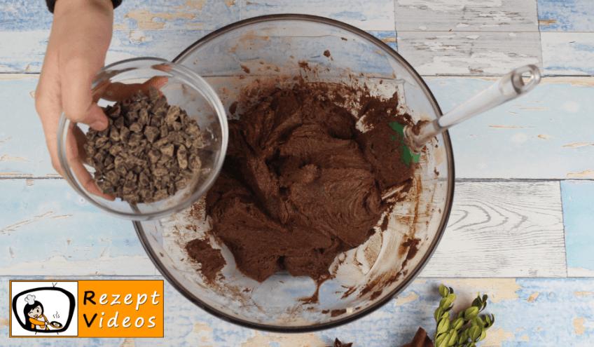 Weihnachts-Cupcakes mit Lichterkette Rezept - Zubereitung Schritt 4