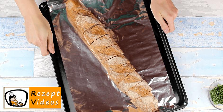 Gefülltes Knoblauchbaguette Rezept Zubereitung - Schritt 5