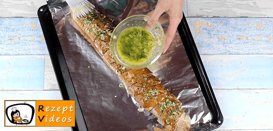 Gefülltes Knoblauchbaguette Rezept Zubereitung - Schritt 6