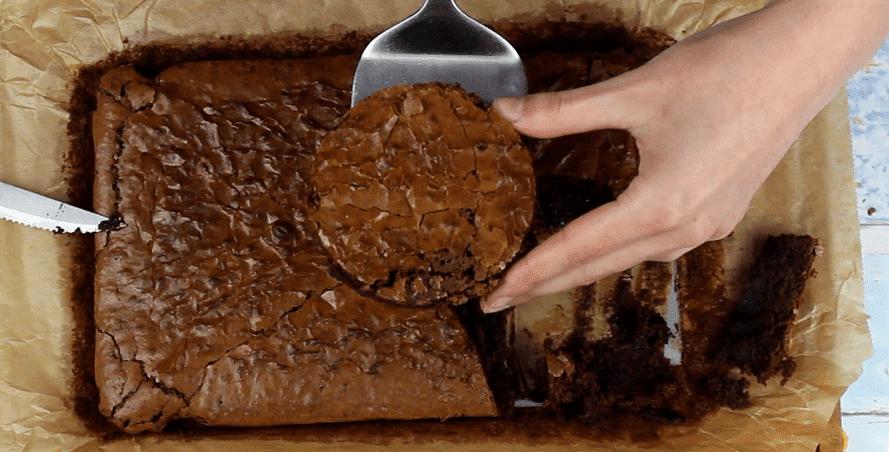 Geschmolzene Schokoladenkugel Rezept Zubereitung - Schritt 2